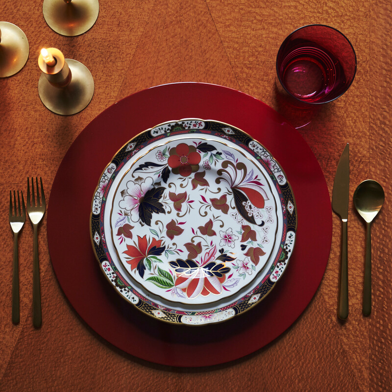 Red ombre round placemat